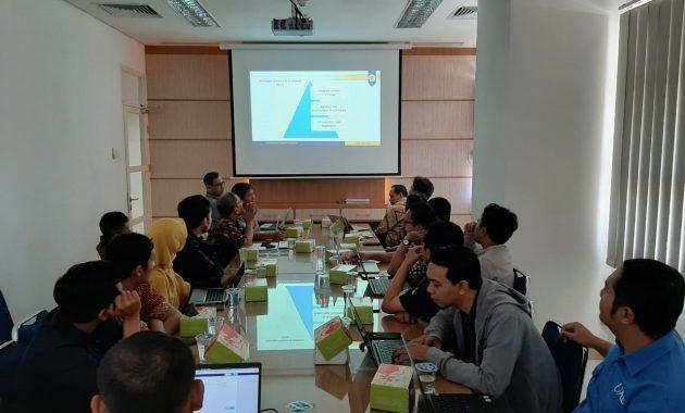 Sharing tentang CyberSecurity di Lingkungan UGM oleh Pak Agung dari DSSDI
